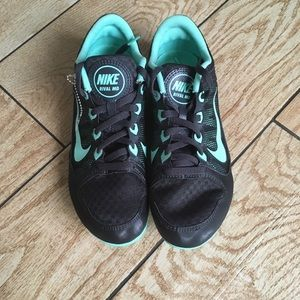 NWOT Nike Rival MD Black & Mint Green Track Shoes